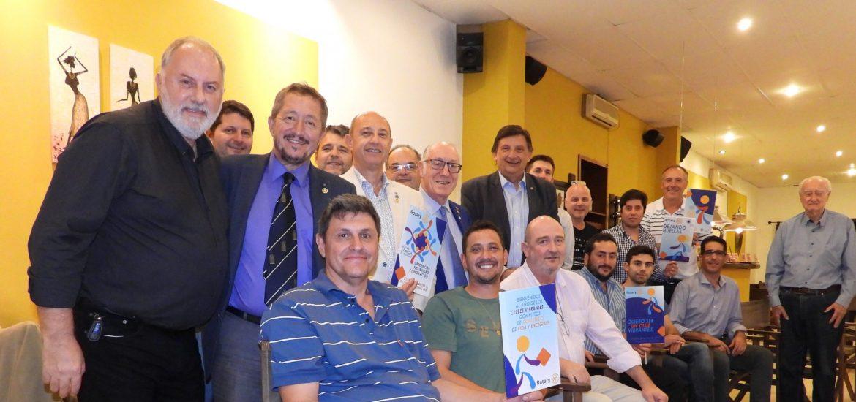 Foto grupal nuevos socios club Maciel